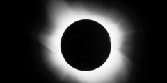 15 Giugno 2011: Eclissi totale di Luna